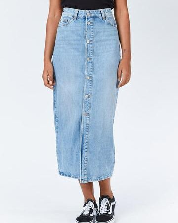 Dr Denim Venla Denim Skirt in Destiny Blue.